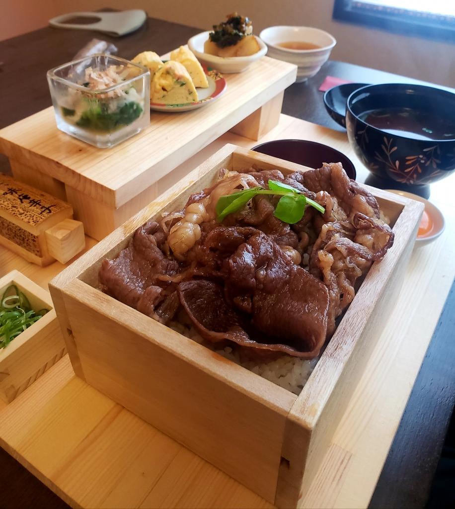 京都グルメレポート459「丑屋よ平」すき焼重 ステーキ 牛カツ